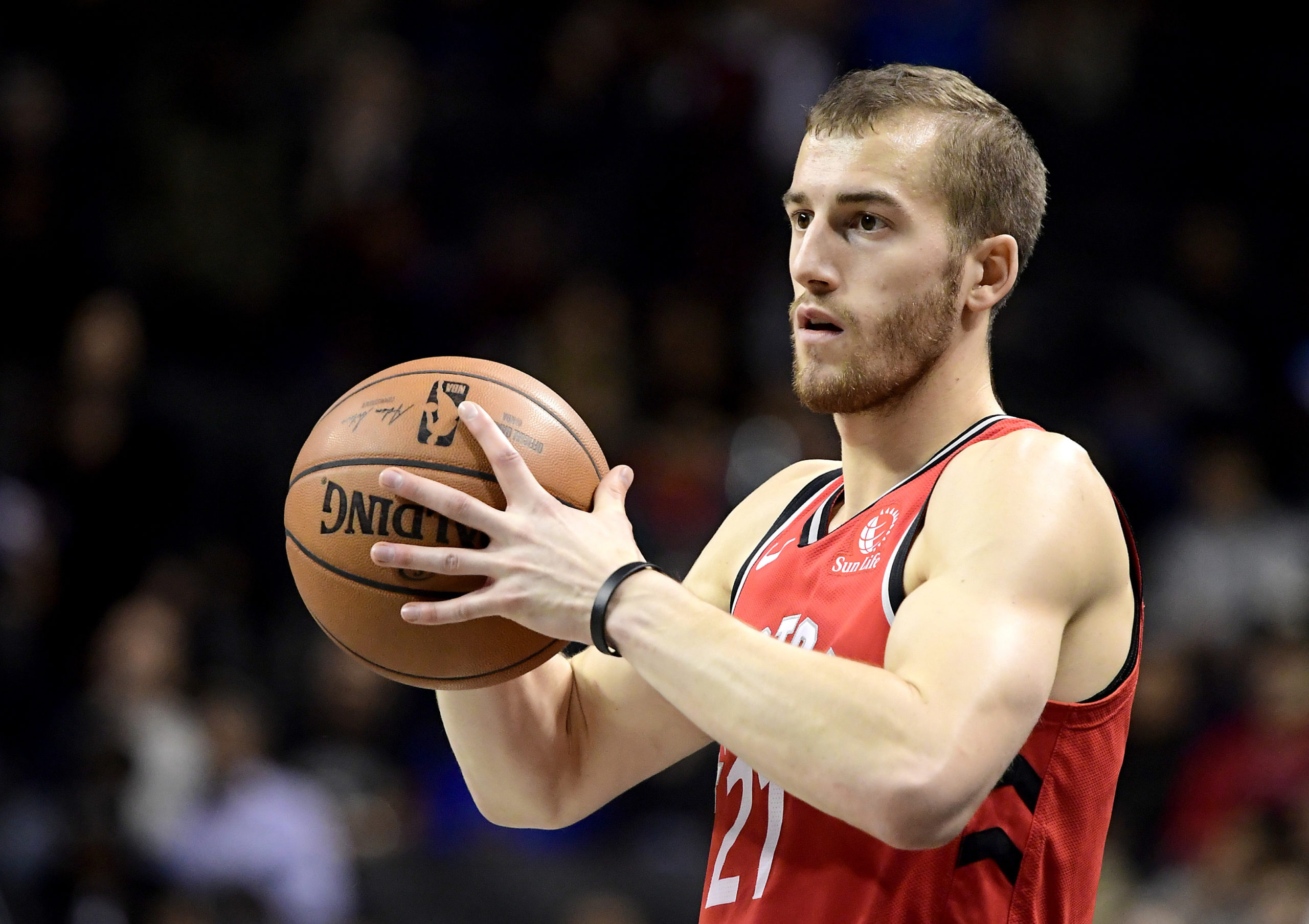 NEW YORK, NEW YORK - OCTOBER 18:  Matt Thomas #21 of the Toronto Raptors looks to pass against the Brooklyn Nets at Barclays Center on October 18, 2019 in New York, New York. (Photo by Steven Ryan/Getty Images)